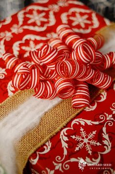 love this over the top candy cane ribbon cluster~