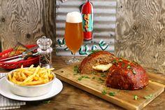 Meatloaf, húskenyér, húscipó vagy hívd ahogy akarod! Tasty, Yummy Food, Butcher Block Cutting Board, Meatloaf, Kitchen, Cucina, Cooking, Delicious Food, Kitchens