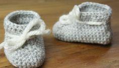 Grijze slofjes haken voor babies