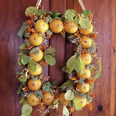 17 wreaths on this site: Squarely Styled is very unusual. Beautiful ideas from BHG