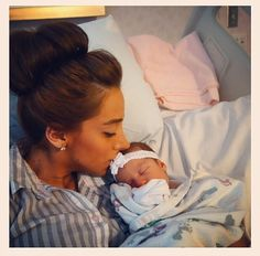 Danielle Jonas and her daughter Alena Rose Jonas Danielle Jonas, Reality Tv Stars, Getting Back Together, Jonas Brothers, Celebrity Babies, Happy Mothers Day, Got Married, Cute Couples, Famous People