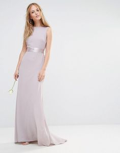 Imagen 2 de Vestido largo con adornos y lazo a la espalda de TFNC WEDDING