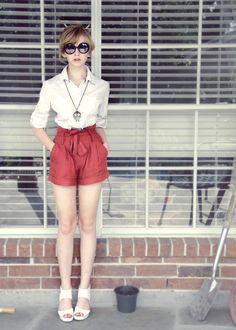 I'd like to add more colour, and find the perfect pair of shorts. I like high waisted shorts, and like this style Paper Bag Waist Pants, Paper Bag Shorts, Short Outfits, Short Dresses, Cute Outfits, Shorts Ootd, Red Shorts Outfit, Color Shorts, Summer Styles