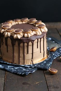 Haselnuss Nougat Mascarpone Torte – Bake to the roots Chocolate Drip, Chocolate Cheese, Baking Tins, Bread Baking, Baking Cakes, Nutella, Torte Au Chocolat, Nougat Torte, Mascarpone Cake