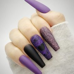 PRESS ON NAILS (@lifestyle__overload) • Instagram photos and videos Black And Purple Nails, Purple Nail Art, Purple Glitter, Black Nails, Fall Nail Art Designs, Acrylic Nail Designs, Halloween Press On Nails, Summer Nails, Fall Nails