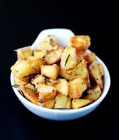 Rosemary parmesan garlic potatoes - BEST potato recipe yet!