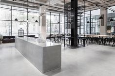 Ken je Usine in Stockholm? Deze voormalige worstfabriek kreeg een re-design en is nu een gave loft-ruimte met restaurant en bar en droom interieur!