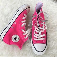CONVERSE HI TOP HOT PINK SZ 6 WOMENS SHOES Like new Converse Shoes