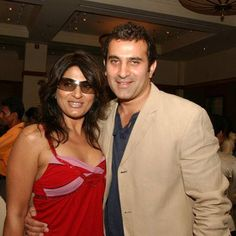 Parmeet Sethi fell in love with an already-divorced Archana Puran Singh at first sight. Despite Archana being 7 years older to him, Parmeet had no hesitation in taking their relationship forward.