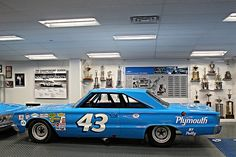 Richard Petty, King Richard, Slot Cars, Race Cars, Nascar Racers, Plastic Model Cars, Plymouth, Mopar, Classic Cars