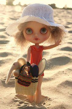 Blythe- a flykr barbie doll customizable  character beach bum