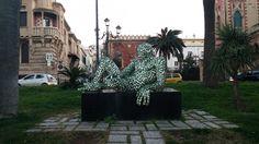 #Labirintite #ReggioCalabria - #Statua realizzata da #Rabarama.  Collocata sul lungomare #Facolmatà nel 2007 in occasione della #mostra personale Rabarama. #Identità  #itineranda - l'#itinerario sei tu - #turismo di #passaggio e di #passeggio #arte #cntemporanea #contemporaryart