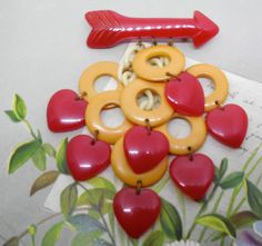 1940s Figural Two Color Bakelite Dangle Brooch by CornermouseHouse