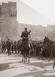 Photograph of General Allenby as he enters Jerusalem. The photograph was taken in December He is pictured at the Jaffa Gate. Allenby's success was due in large part to the efforts of T. Lawrence, AKA Lawrence of Arabia. World War One, First World, Old Pictures, Old Photos, Transformers, Naher Osten, Lawrence Of Arabia, British Army, World History