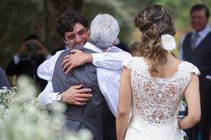 A entrega da noiva ao noivo - Casamento no campo