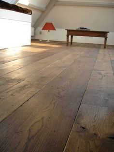 Houten vloer ( robuust eiken brede plank, oldhuys vloeren Kootwijkerbroek)