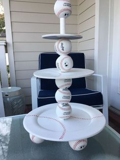 Get ready to delight your guests! This baseball idea will make your next party look like it was catered& just a few steps Baseball Snacks, Baseball Cupcakes, Baseball Crafts, Baseball Stuff, Baseball Shirts, Baseball Letters, Baseball Table, Baseball Wreaths, Angels Baseball