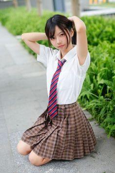 School Girl Japan, School Girl Dress, School Uniform Girls, Girls Uniforms, Japan Girl, Cute Asian Girls, Beautiful Asian Girls, Cute Kawaii Girl, Outfits