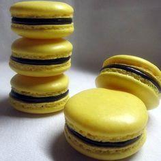 "Képtalálat a következőre: ""macaron töltelék"" Macaron Cookies, Macaroons, Meringue, Hungarian Recipes, Muffin, Food And Drink, Cupcakes, Bread, Candy"