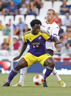 Europa League football: Valencia 0-3 Swansea at the Mestalla - Wilfried Bony in action