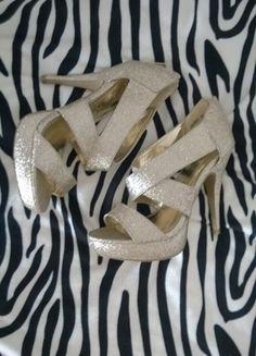 Kup mój przedmiot na #vintedpl http://www.vinted.pl/damskie-obuwie/na-wysokim-obcasie/11376929-brokatowe-buty-na-specjalne-okazje