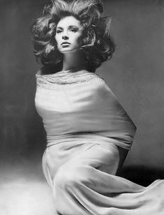Suzy Parker, photo by Richard Avedon, Harper's Bazaar, 1960