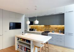 Location: England, United Kingdom - The clients at Ruvigny Gardens found themselves in a situation similar to many Londoners living in a Victorian terrace. They had a small side return which they… Kitchen Extension Victorian Terrace, Kitchen Extension Layout, Victorian Terrace House, House Extension Design, Lounge Diner Ideas, Kitchen Diner Lounge, Small Lounge, Small Terrace, Kitchen Conversion