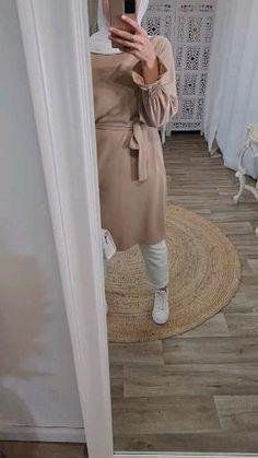 Abaya Fashion, Modest Fashion, Fashion Outfits, Hijab Chic, Hijab Outfit, My Outfit, Hijab Abaya, Hijab Style Tutorial, Hair Scarf Styles