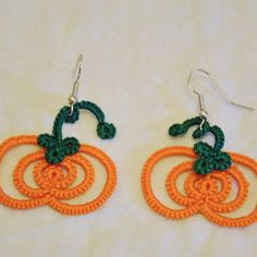 Tatted Pumpkin Earrings, clear pictures in instructions