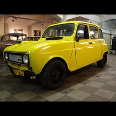 Great yellow Renault 4