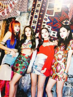 BLACKPINK - Lisa / Jennie / Jisoo / Rosé