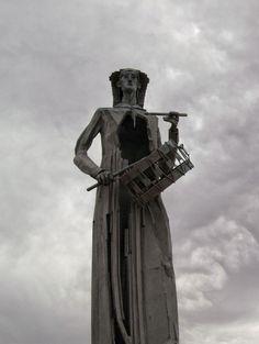 El Monumento al Tambor en #Alcañiz  #redoblaAlcañiz #sienteTeruel