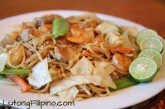 Adobo Sa Gata Recipe - Filipino Recipes from Lutong Filipino Pancit Palabok Recipe, Pancit Canton Recipe, Pasta Recipes, Cooking Recipes, Healthy Recipes, Adobo Sa Gata Recipe, Filipino Recipes, Filipino Food, Filipino Pancit