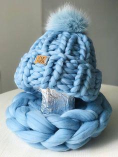 Women's wool knit hat, Helsinki Hat, Beanie Fur Pom Pom, Super Chunky Knit Hat with pom pom Knitted Blankets, Merino Wool Blanket, Knitted Hats, Crochet Hats, Pom Pom Hat, Pom Pon, Helsinki, Mermaid Blanket, Arm Knitting