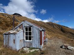 Heather Jock Hut, Queenstown/Wakatipu, New Zealand. Photo: Michael/digitaltrails #dochuts