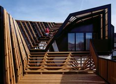 Built by PLASMA Studio in San Candido, Italy with date 2006. Images by Cristobal Palma. Esker Haus (esker=stratified geological formation) is a self-contained residential unit placed on top of an existing ...