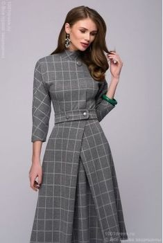 Lovely tailored dress,, would go beautifully with a small percher hat Modest Fashion, Hijab Fashion, Fashion Dresses, Pretty Dresses, Beautiful Dresses, Dresses For Work, Business Dresses, Mode Hijab, Elegant Outfit