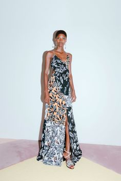 See the complete Edun Resort 2018 collection.