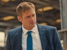 Alexander Skarsgård as Terry Monroe in #WaronEveryone. War on Everyone opens in Ireland & the UK on October 7. Watch the full video here: The Late Late Show Extras: Alexander Skarsgård, Michael Peña &...