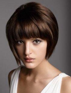 Taglio corto sfilato con frangia #capellicorti  #Shorthair #hairstyles #taglicapelli2014 http://bellezza.pourfemme.it/foto/tagli-capelli-corti-2014_5463_38.html
