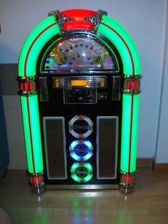 JUKEBOX Art Deco Furniture, Antique Furniture, Jukebox, Rock And Roll, Dance Books, Gramophone Record, Radio Antigua, Retro Images, Antique Radio