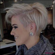 Beliebteste Kurzhaarfrisur Mit Sidecut Ideen Frisuren Kurz 2018 ... #Frisuren #HairStyles Wenn Sie nachher welcher Schnittwunde suchen, um Ihr Gestalt zu ändern, ist kurze Bob Frisuren 2016 eine Vorkaufsrecht, die Sie ausprobieren können....