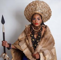 Zulu Traditional Attire, African Traditional Dresses, African Attire, African Fashion Dresses, Zulu Women, Black Royalty, African Royalty, African Hairstyles, Vogue