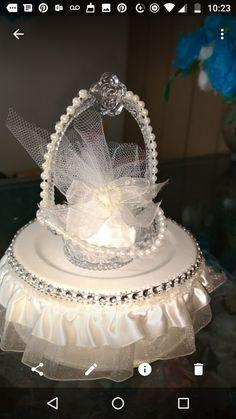 Wedding Couples, Favors, Crown, Cake, Jewelry, Pie Cake, Jewellery Making, Gifts, Corona