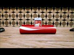 JWT transforma revista em caixa de som de Coca-Cola FM