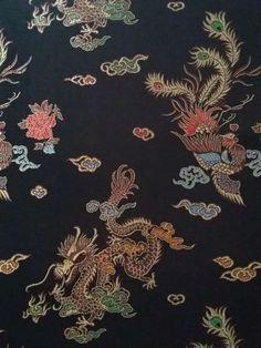 Tissu Satin Imprimés Dragons en vente sur TheSweetMercerie.com