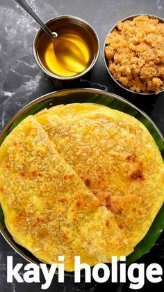 Holige Recipe, Chaat Recipe, Puran Poli Recipes, Pakora Recipes, Jaggery Recipes, Indian Dessert Recipes, South Indian Snacks Recipes, Indian Sweets, South Indian Food