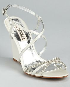 wedding wedges - while on the beach for the ceremony. Wedding Wedges, Wedge Wedding Shoes, Bridal Shoes, Wedge Shoes, Wedding Gifts For Couples, Cute Wedding Ideas, Trendy Wedding, Wedding 2015, Wedding Guest Looks