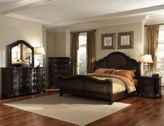 Samuel Lawrence Huntingdon Traditional-Style Upholstered Queen Sleigh Bed with Nail Head Trim at Royal Furniture