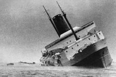 The sinking of the Lyttelton–Wellington ferry Wahine on 10 April 1968 was New Zealand's worst modern maritime disaster. Abandoned Ships, History Online, Nz History, Merchant Navy, Kiwiana, Shipwreck, Submarines, Titanic, Underwater